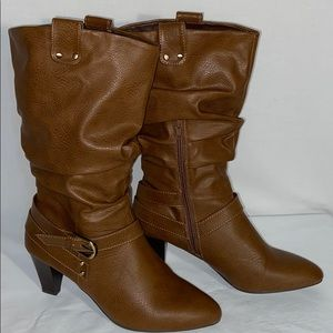 NWOB Rialto Siren Mid Calf Slouch Boots in Size 9M